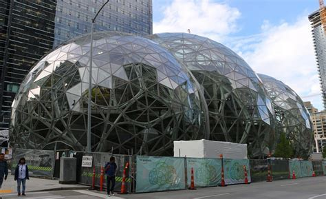 On the Ground with the Amazon Spheres in Seattle   2017 05