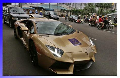 mobil sport lamborghini modifikasi 10 gambar mobil sport temahal tercepat myotomotif