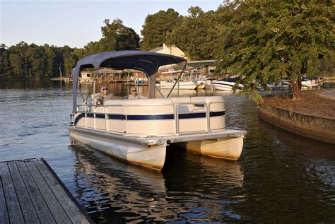 Boatsales Of Lake Norman by Top 3 Advantages Of Pontoon Boat Rentals