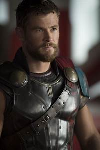 Chris Hemsworth on Thor: Ragnarok, MCU Connections, and ...