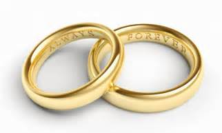 mens gold wedding rings 8 ways to wear your wedding band with or without your engagement ring