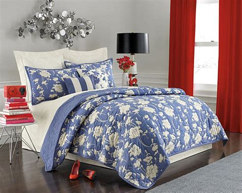 blue and white floor l stunning summer bed and bath decor