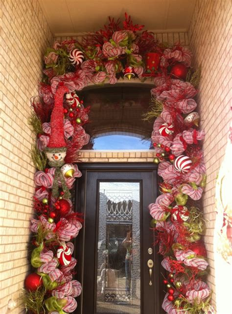 15 christmas doors with flower ornaments home design and