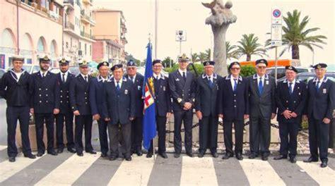 ufficio circondariale marittimo porto santo stefano i marinai d italia ricordano l inizio della grande