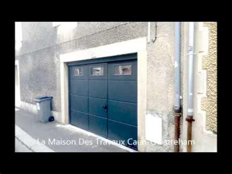 porte de garage avec portillon porte de garage isolante avec portillon et hublots