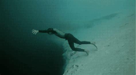 Mirror Lake Jump Death by Scary Deep Sea Fish