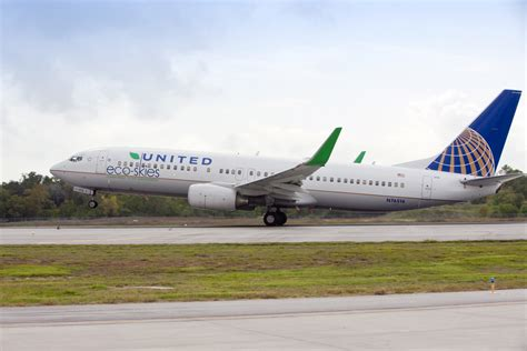 United Airlines Deploys Honeywell's Green Jet Fuel At Lax