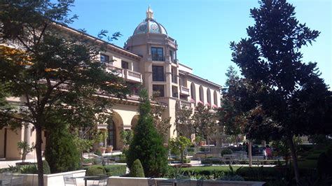 Glitterati Tours: Best Beverly Hills Hotels, L.A. Dining & Venues