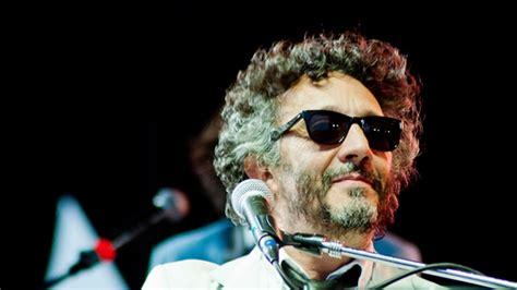 """Rodolfo fito páez ávalos (born march 13, 1963 in rosario, santa fe province) is an argentine popular rock and roll pianist, lyricist, spanish language singer and film director. Fito Páez y otros artistas participarán de la """"Plaza del ..."""