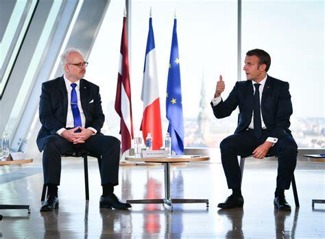 Francijas prezidents Makrons ar savu