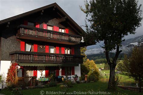Bergdorf Fischen Bayerisches Haus Im Allgäu Herbst Foto