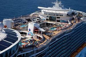 Amazing World: Oasis Of The Seas - The Largest Luxury ...