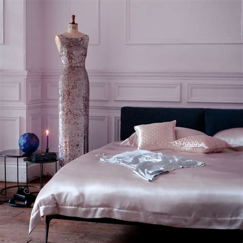 Bedroom Decorating Ideas Uk by Pink Satin Bedroom Decorating Ideas For Glamorous