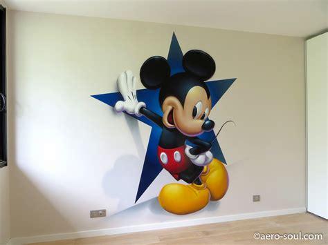 deco chambre mickey décoration murale graffiti aérosol pour chambre d 39 enfant