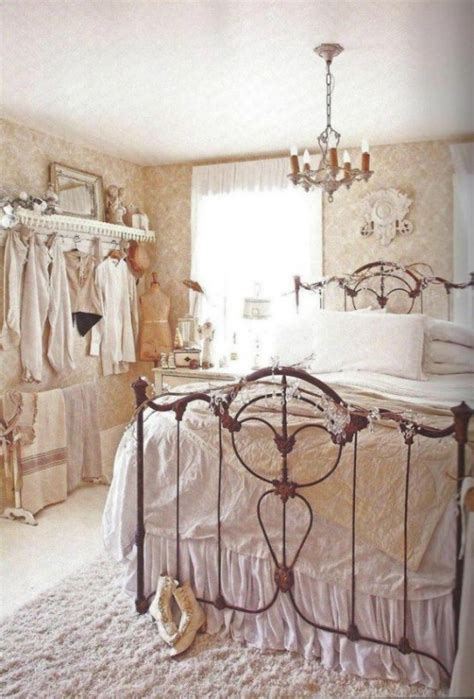 bed shabby chic 33 sweet shabby chic bedroom d 233 cor ideas digsdigs