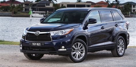 toyota kluger pricing  specifications