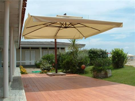 Offset Rectangular Outdoor Umbrellas by 18 Offset Rectangular Outdoor Umbrellas Amalfi