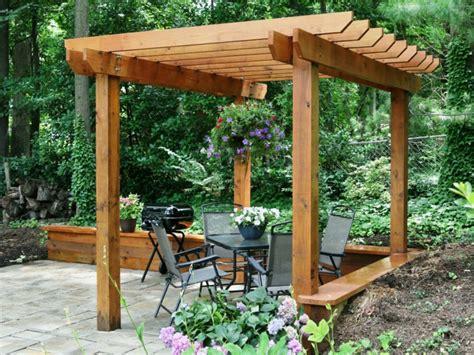 Holz Pergola Bauen Für Abwechslung Romantik Und Komfort