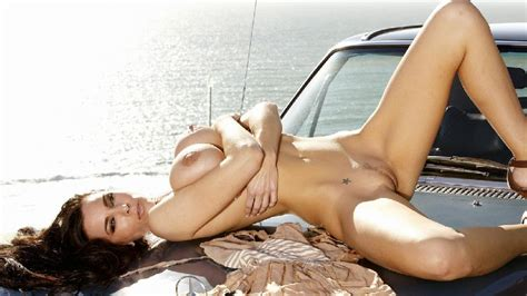 sexy girls and cars part 2 30 pics