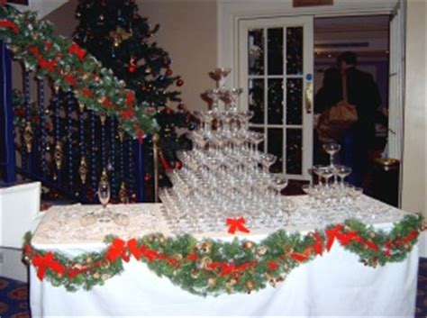 hire christmas decorations hire chrismas green swags