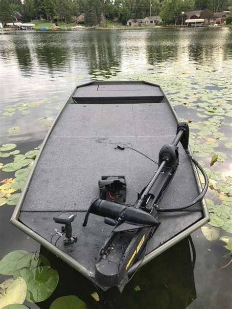 Jon Boat Fishing Accessories by My Take On Jon Boat To Bass Boat Bass Boats Canoes