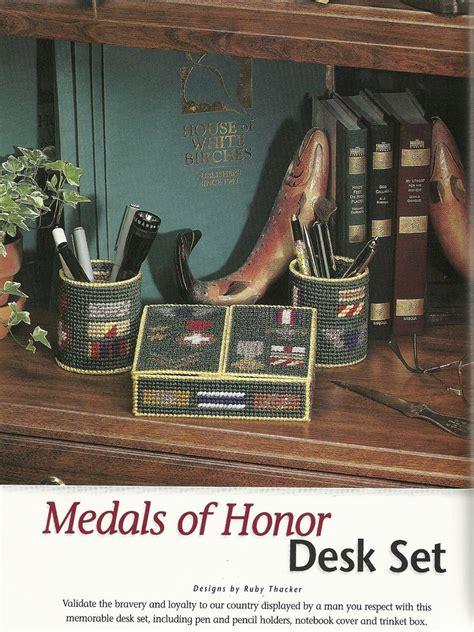 honors desk medals of honor desk set 1 4 plastic canvas