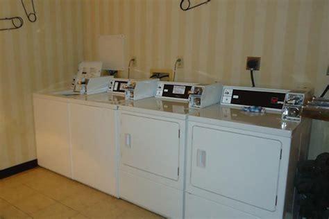 Days Hotel Williamsburg Busch Gardens Area Williamsburg Va by 59 All Inclusive Williamsburg Va Mini Vacation