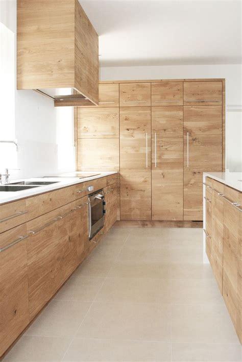 facade cuisine chene brut les 25 meilleures idées concernant cuisine en chêne sur