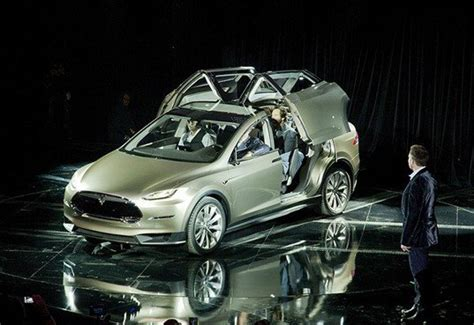 Tesla Motors Announces Fourth Car For Future Electric