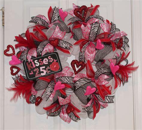 mesh valentine wreath diy tutorial quarter kisses