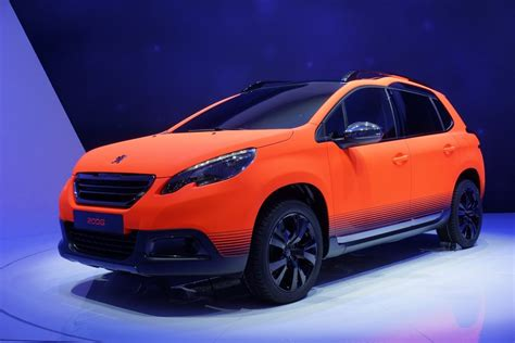 peugeot  small crossover     uk