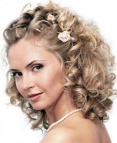 coiffure mariage cheveux courts frisés coiffure mariage cheveux fris 233 s