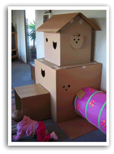 The Amazing Cardboard Cat(box) Castle!  Secret Agent