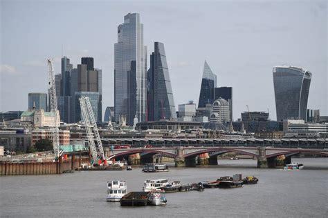 Skaitļi un fakti: Ekonomiskā aktivitāte Eiropā koncentrējas lielajās pilsētās / Raksts