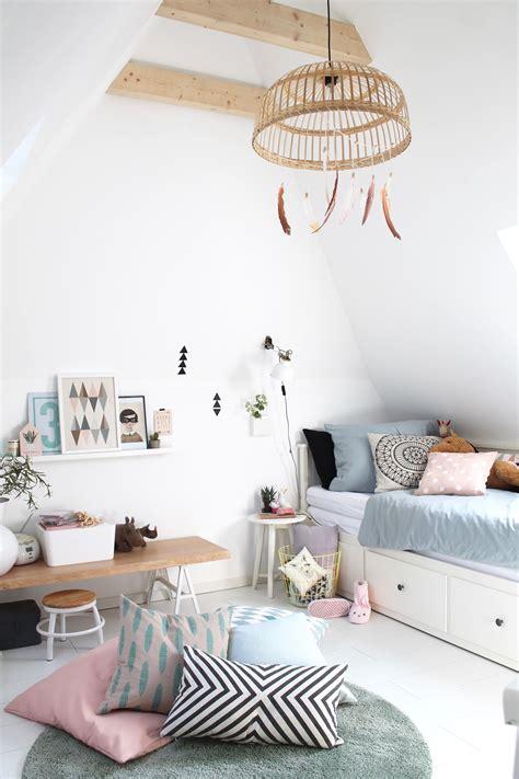 Ikea Hemnes Bett Kinderzimmer by Kinderzimmer In Wei 223 Mit Pastellfarben Bett Hemnes