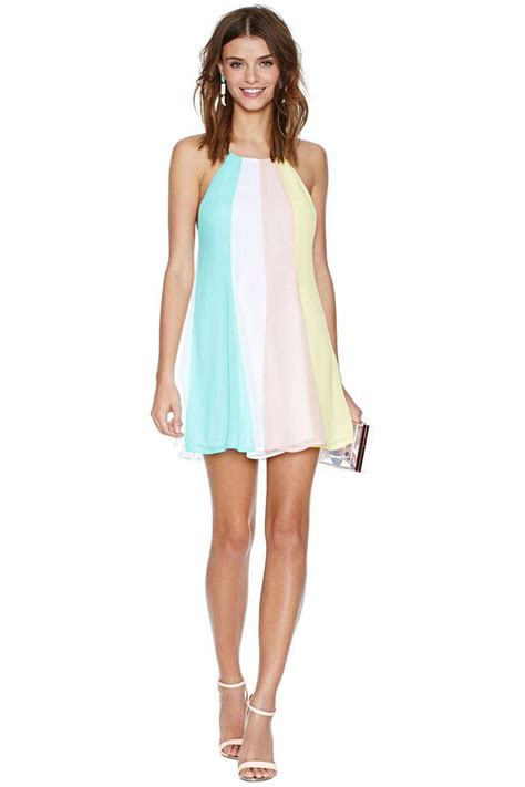 cute halter dresses  ways  wear halter outfits everyday