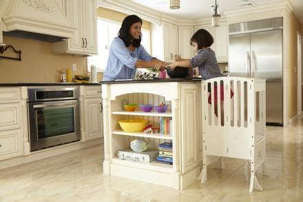 guidecraft contemporary kitchen helper guidecraft g97329 contemporary kitchen helper white 4107