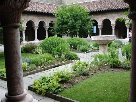 cloisters museum  gardens  northern manhattan