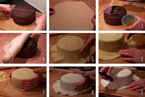 faire de la pate d amande comment decorer un gateau d anniversaire avec de la pate d amande les recettes populaires