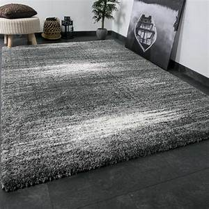 Wohnzimmer Teppich Grau : shaggy teppich extra flauschig dicht gewebt hochflor farbe grau weiss exclusiv ebay ~ Indierocktalk.com Haus und Dekorationen