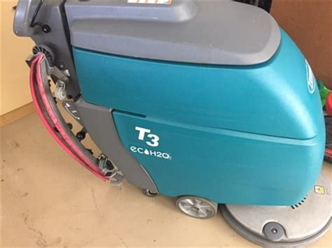 tennant floor scrubber t3 used tennant t3 floor scrubber walk tennant t3