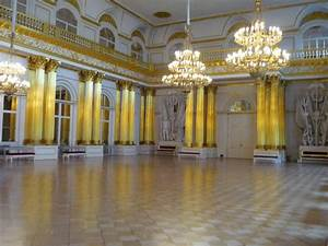 File:Armorial Hall, Winter Palace, St Petersburg ...