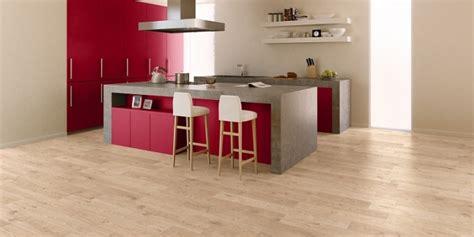 quel parquet pour une cuisine parquet pour cuisine un sol en bois dans une cuisine pas