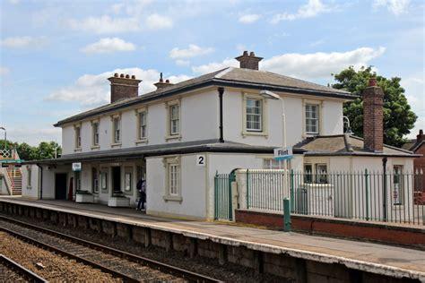 Flint railway station - Wikipedia