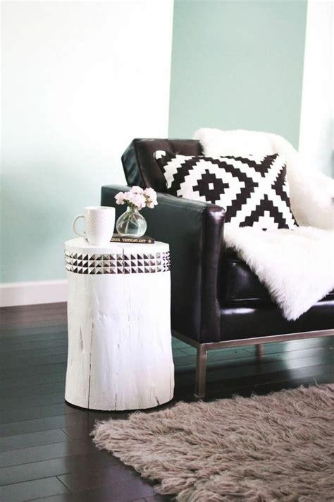 plaid canapé noir 17 meilleures idées à propos de canapés en cuir noir sur