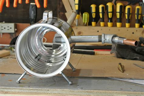 Here's a photo of my demo forge while i was building it. DYI Coffee Can Forge - Andrew W