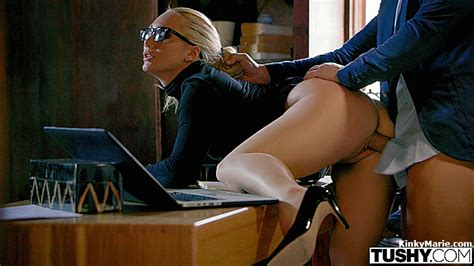 Ajapplegate Gif Animatedgif Tushy Secretary Blonde Curvy Glasses Boss Bwc Bwcslut
