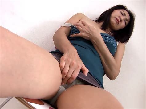 Hot Japanese Brunette Women In A Pussy Quizz Porno