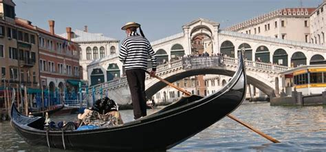 Classic Venice Gondola Ride Italy On A Budget Tours