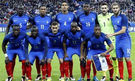 والأربعاء الماضي، قال ماكرون في تصريحات صحفية. بطولة أمم أوروبا - يورو 2016 - منتخب فرنسا بين مطرقة الضغط وسندان العنصرية/ رامي حيدر